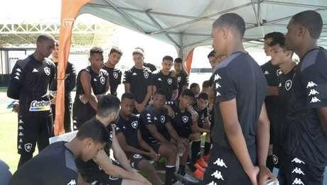 Ricardinho é um dos jogadores mais experientes do elenco (Foto: Reprodução/Botafogo TV)