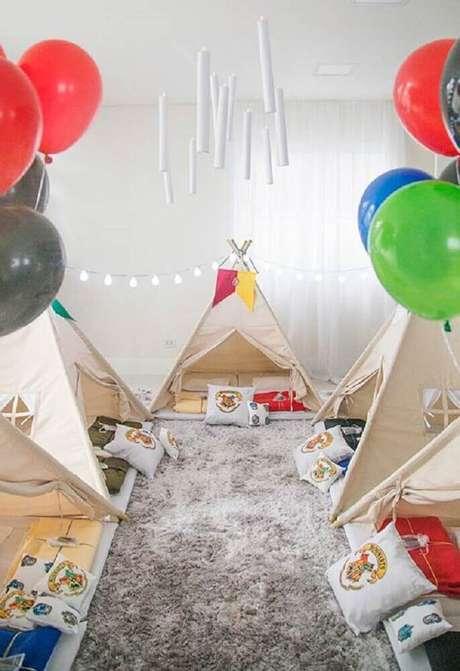 25. Os balões também estão sempre presentes na decoração de festas