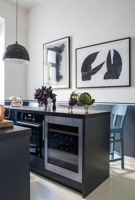 12. Cozinha moderna decorada com meia parede cinza – Foto: Futurist Architecture