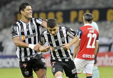 Hulk marca duas vezes, Atlético-MG goleia o Cerro Porteño e assume liderança do Grupo H da Libertadores