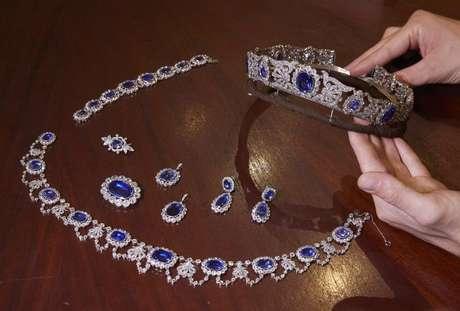 Conjunto de safira e diamante que pertenceu à filha adotiva de Napoleão será leiloado pela Christie's 05/05/2021 REUTERS/Denis Balibouse