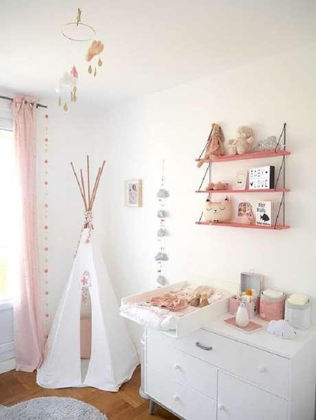46. Aposte na prateleira de corda na hora de decorar o quarto das crianças. Fonte: Pinterest