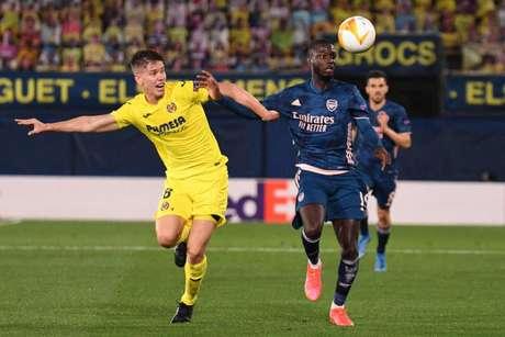 Arsenal e Villarreal decidem quem irá para a final da Liga Europa nesta quinta-feira (Foto: JOSE JORDAN / AFP)