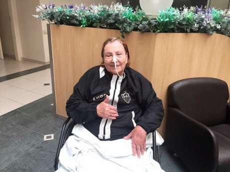 Dona Nilde superou o coronavírus com vários tratamentos que, no fim trouxeram a cura para ela-(Divulgação/Atlético-MG)