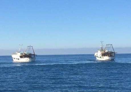 Barcos italianos foram atingidos por tiros da Guarda Costeira da Líbia
