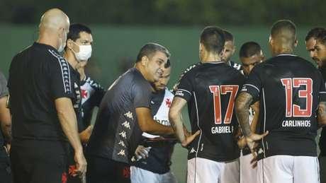 Mesmo com a espinha dorsal em mente, Cabo busca dar mais entrosamento ao Vasco (Foto: Rafael Ribeiro/Vasco)