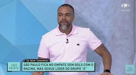 Denílson analisando o empate do São Paulo contra o Racing pela terceira rodada da fase de grupos da Libertadores 2021 (Reprodução / Band)