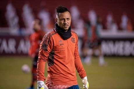 Diego Alves sentiu desconforto na coxa direita (Foto: Alexandre Vidal/Flamengo)