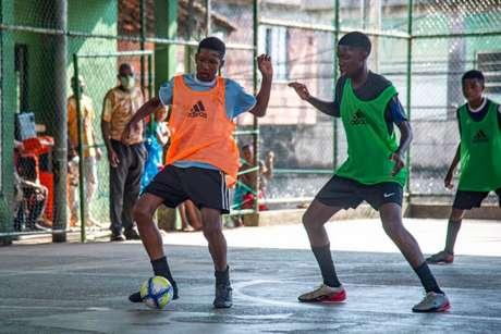 Crianças de 5 a 15 anos participaram da seletiva (Foto: Marcelo Cortes/Flamengo)