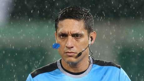 O árbitro Jesus Valenzuela já apitou Palmeiras x Libertad pela Libertadores (Foto: Cesar Greco/Palmeiras)