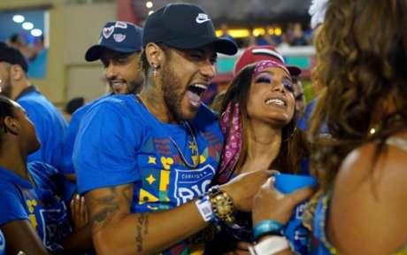 Anitta e Neymar estavam juntos em evento no Carnaval (Foto: Mauro Pimentel/AFP)