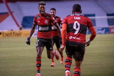 Bruno Henrique marcou, de fora, após passe escorado de Gabigol (Foto: Alexandre Vidal/Flamengo)