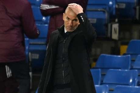 Zidane está em uma situação complicada no Real Madrid (Foto: GLYN KIRK / AFP)