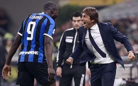 Lukaku e Antonio Conte possuem ótimo relacionamento (Foto: AFP)