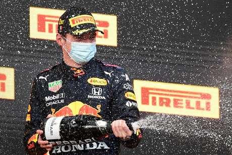 Max Verstappen quer se tornar campeão pela Red Bull, mas se não der...