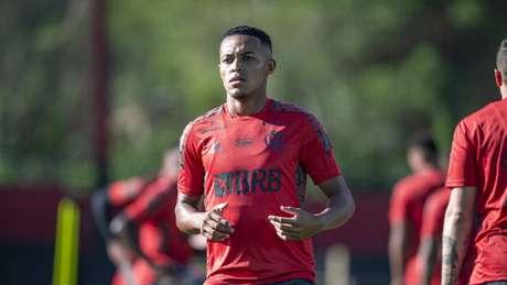 O atacante Lázaro durante atividade do Flamengo no Ninho do Urubu (Foto: Marcelo Cortes / Flamengo)
