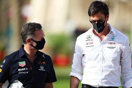 A rivalidade entre Red Bull e Mercedes tem ido muito além das pistas