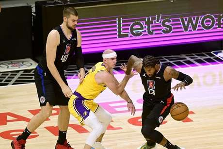 Lakers Clippers1_Easy-Resize.com