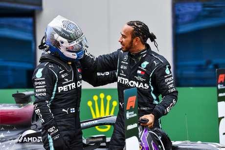 Valtteri Bottas e Lewis Hamilton são companheiros de equipe desde 2017