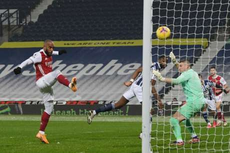 Arsenal e West Brom se enfrentam neste domingo (MICHAEL REGAN / POOL / AFP)