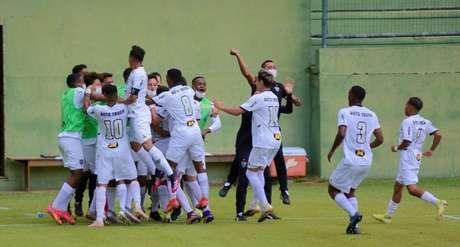 Atlético vence o Vasco na primeira rodada do Campeonato Brasileiro Sub-17 (Foto: Marcos Faria/Divulgação Vasco)