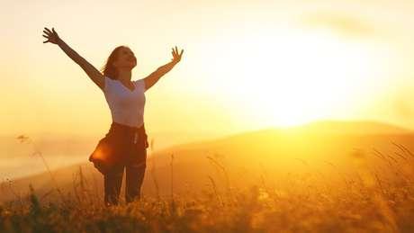 Alcance a prosperidade com a oração ideal para o seu signo
