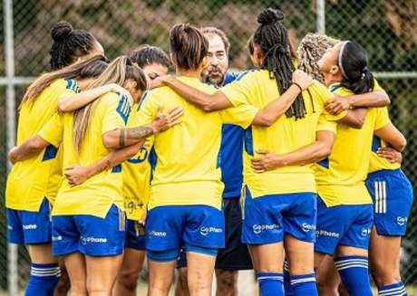 As meninas do Cruzeiro querem reagir no campeonato rumo aos mata-mata-(Igor Sales/Cruzeiro)