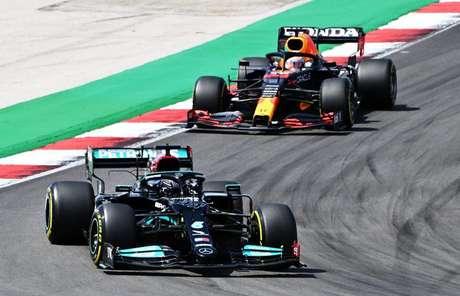 Hamilton conseguiu fazer a melhor volta dos treinos de sexta-feira, em Barcelona.