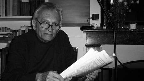 Ministro do Planejamento do Governo João Goulart, Celso Furtado saiu do Brasil em maio de 1964. Viveu no exílio por 21 anos, até 1985. No exterior, morou nos EUA e na França, onde trabalhou como professor na Universidade de Sorbonne