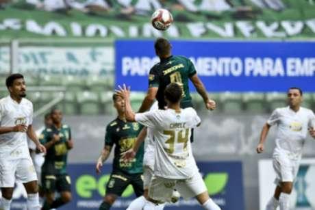 O time americano foi superior ao Cruzeiro nos dois jogos das semifinais do Mineiro-(Mourão Panda/América-MG)