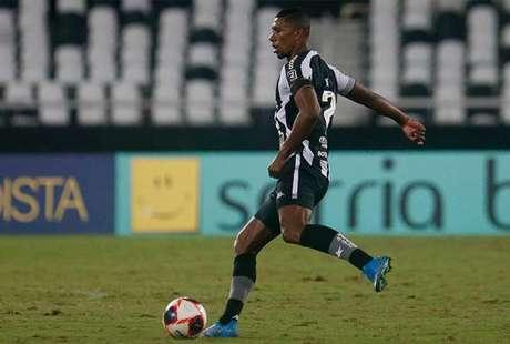 Contra o Nova Iguaçu, Kanu formou dupla de zaga segura com Sousa (Foto: Reprodução/Botafogo TV)