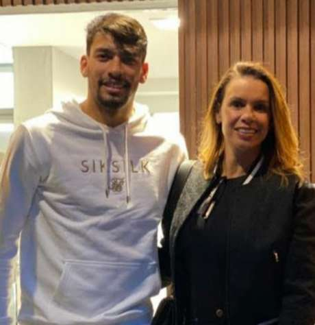 Lucas Paquetá e sua mãe, Cristiane Tolentino: figura materna foi importante na formação do craque (Arquivo pessoal)