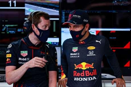 Sergio Pérez teve bons momentos, mas ainda não conseguiu se aproximar dos tempos de Verstappen