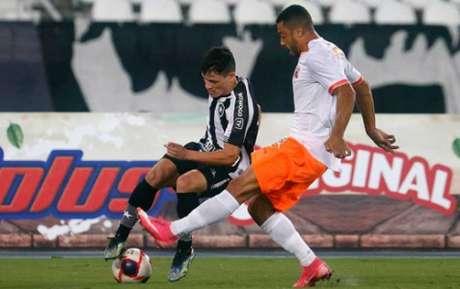 Ronald foi titular do Botafogo Foto: Vítor Silva/Botafogo