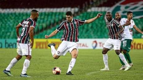 Nino, durante a partida (Foto: Lucas Merçon/Fluminense FC)