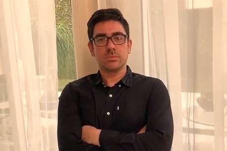 Marcelo Adnet processa secretário da Cultura Mario Frias