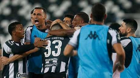 Pedro Castro decidiu novamente para o Botafogo Foto: Vítor Silva/Botafogo