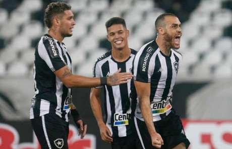 Pedro Castro vibra com golaço marcado contra o Nova Iguaçu (Foto: Vítor Silva/Botafogo)