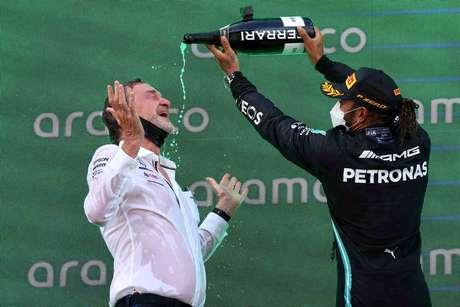 Lewis Hamilton continua a fazer história na Fórmula 1