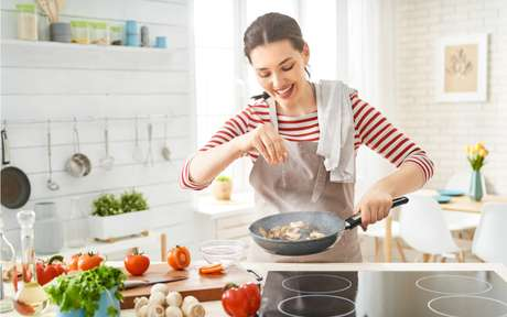 Dia da cozinheira: 3 dicas para aproveitar melhor o arroz