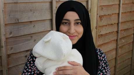 """Khadija tem o nome de """"uma mulher independente muito forte"""" na fé islâmica, diz sua mãe"""
