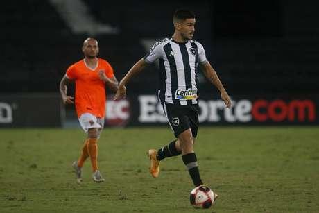 Jogador ficou pouco mais de 10 minutos em campo, levou dois amarelos e foi expulso (Foto: Vítor Silva/Botafogo)