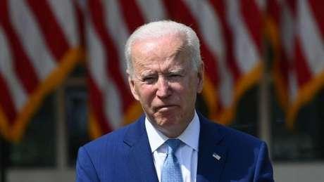 Biden disse que 'a violência com armas de fogo neste país é uma epidemia e uma vergonha internacional'