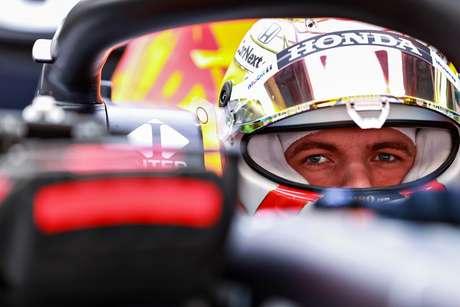 Depois de briga intensa, Max Verstappen herdou a segunda posição no pódio do GP da Espanha