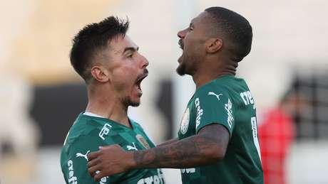 Willian e Wesley comemoram classificação do Palmeiras
