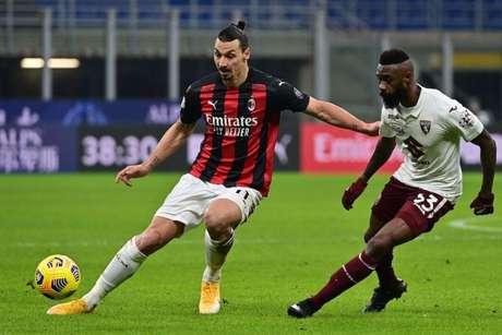 Principal nome do Milan, Ibrahimovic está lesionado e não enfrentará o Torino (Foto: MIGUEL MEDINA / AFP)