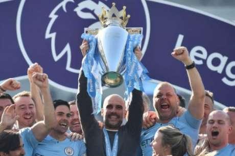 Pep Guardiola conquistou a Premier League em 2018, 2019 e 2021 (Foto: GLYN KIRK / AFP)