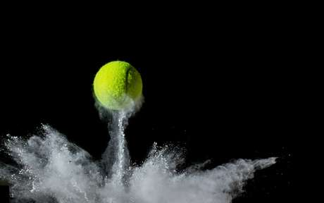 Bola de tênis: aprenda como fazer uma automassagem e aliviar a tensão