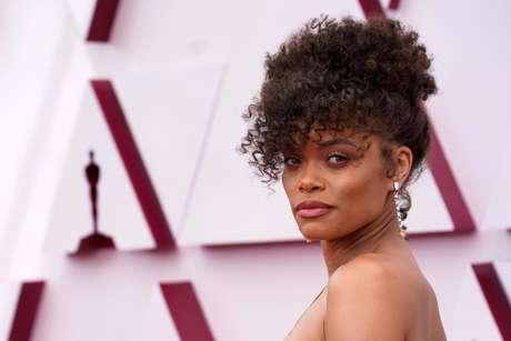 Andra Day no tapete vermelho do Oscar