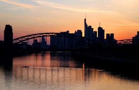 Rio Main, em Frankfurt, Alemanha, April 8, 2021.  REUTERS/Kai Pfaffenbach